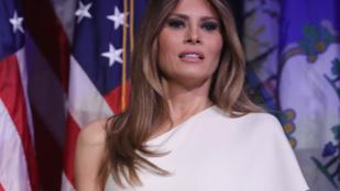 Elég nyomasztó dolgot árul el Melania Trump aláírása