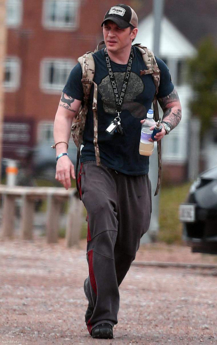 Tom Hardy éppen elhagyja az edzőtermet, ahova rendszeresen jár gyúrni.