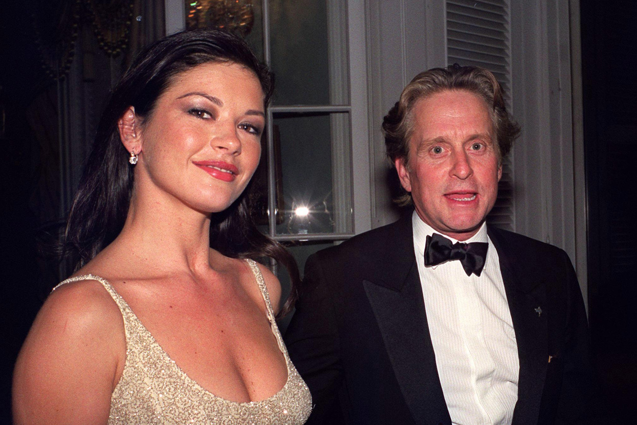 catherine-zeta-jones-michael-douglas-elso-randi-cover