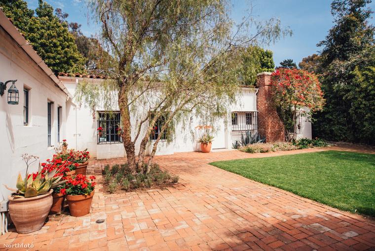 Marilyn Monroe nem élvezhette sokáig ezt a luxust.75 ezer dolláréért vásárolta a házat 1962-ben, nem sokkal a halála előtt