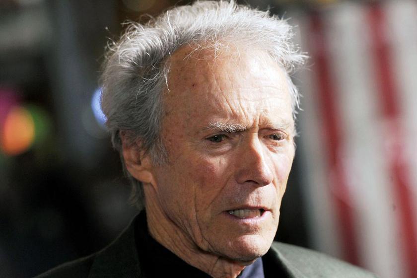 Clint Eastwood hivatalosan hét gyermekét ismerte el.