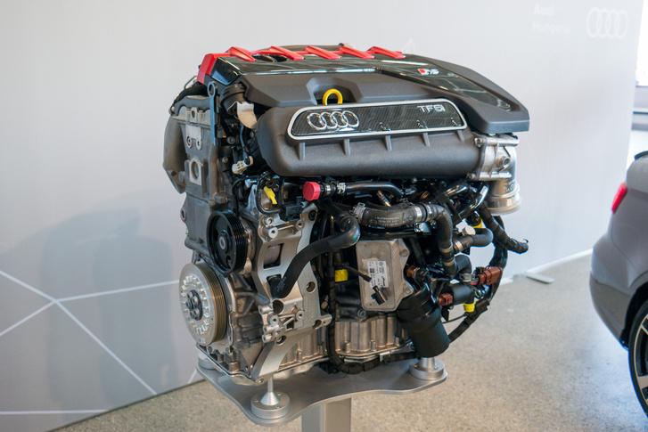 Egy ősi blokk volt az elődje, azt még acélöntvényből készítették, az új RS3 motorblokkja alumíniumöntvényből készül