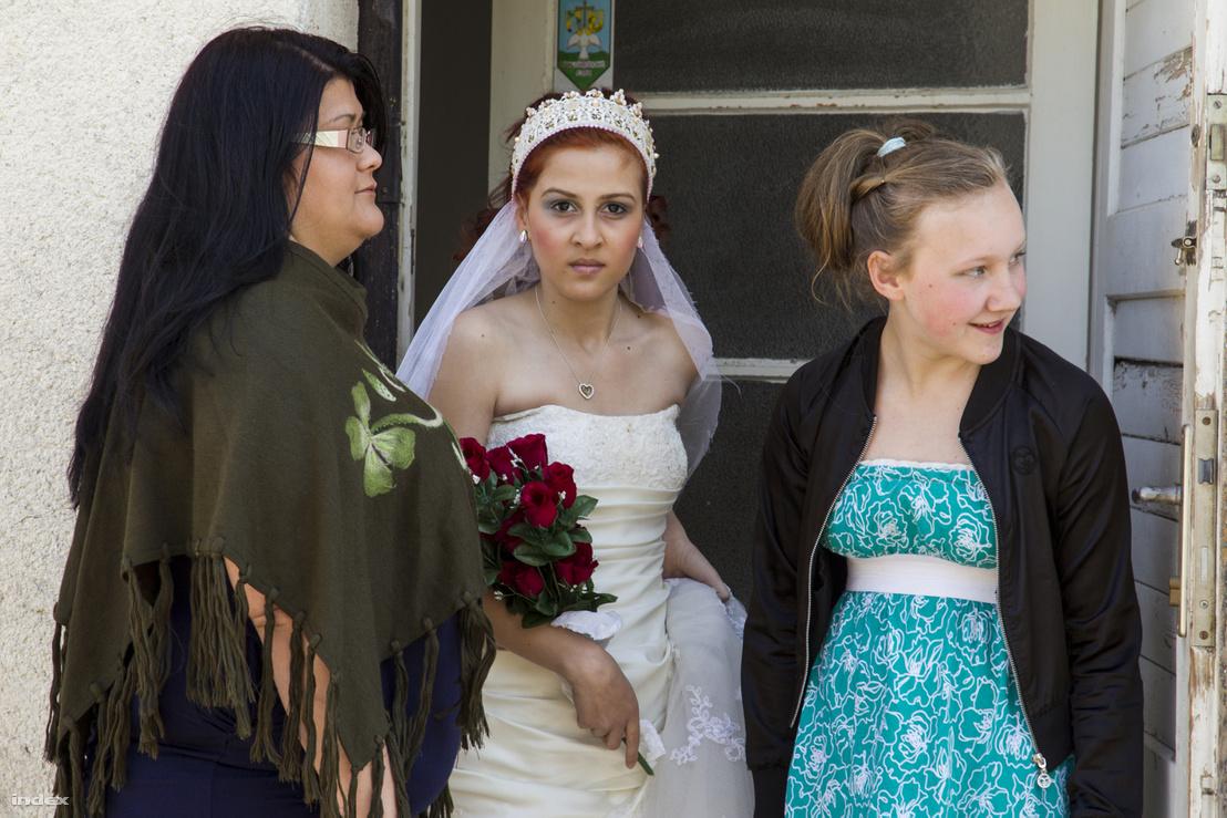 Menyasszony és koszorúslány