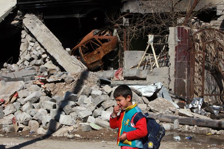 Moszuli utca öngyilkos merénylő felrobbant autójával és iskolás fiúval
