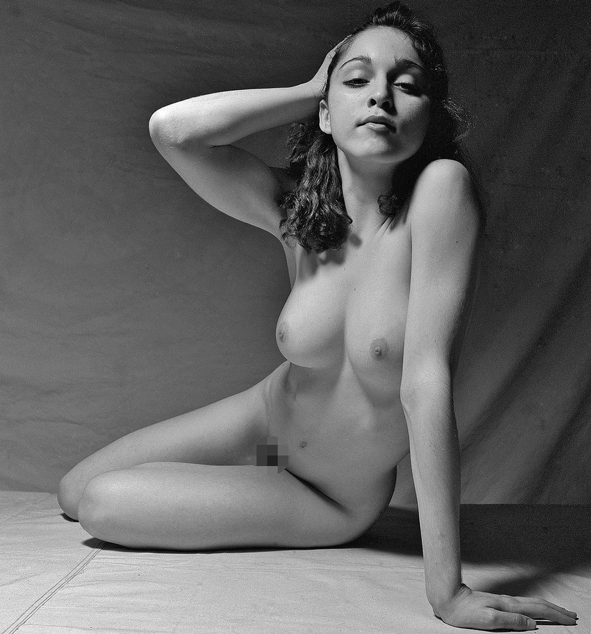 Madonna a fotóművész manhattani stúdiójában dobta le ruháit.