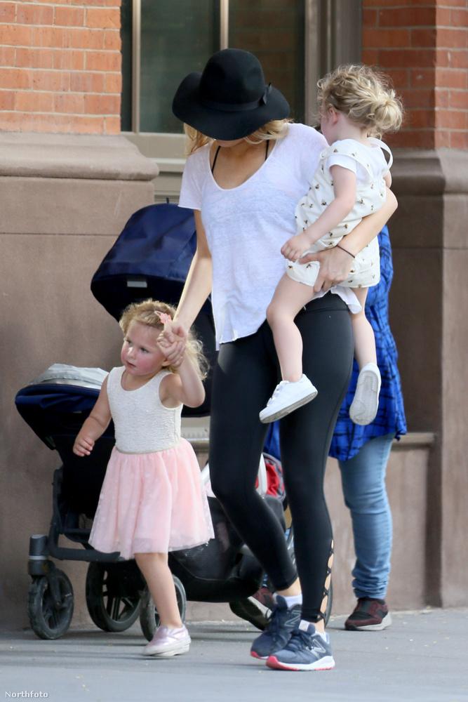 Ott vannak lényegnek a szupercuki lányai, James és Ines, akik, lássuk be, elég jól sikerültek.