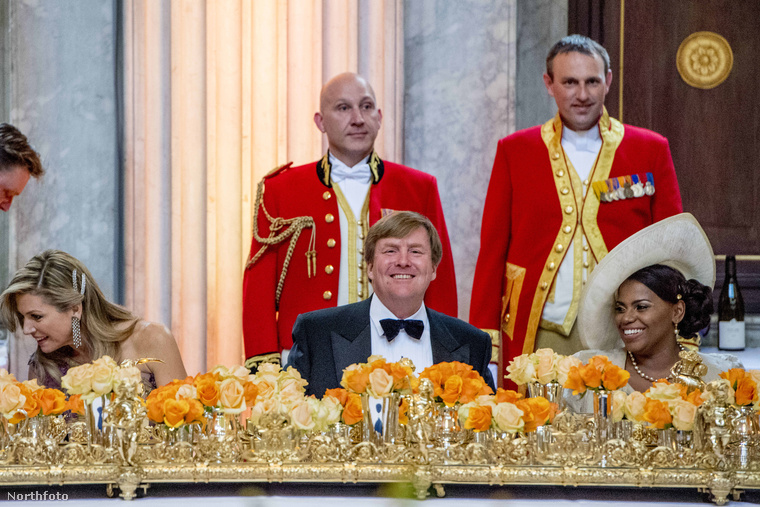 A jelenlegi holland uralkodó 150 embert látott vendégül egy vacsorára az amszterdami királyi palotába