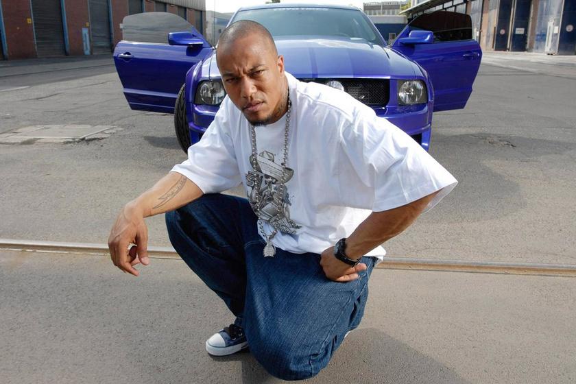 Rapperként Deso Dogg néven ismerték