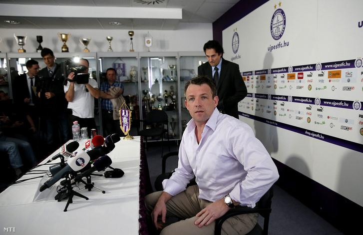 Roderick Duchatelet, az Újpest FC elnöke tulajdonosa sajtótájékoztatót tart a klub helyzetéről Budapesten a székházukban 2014. március 14-én
