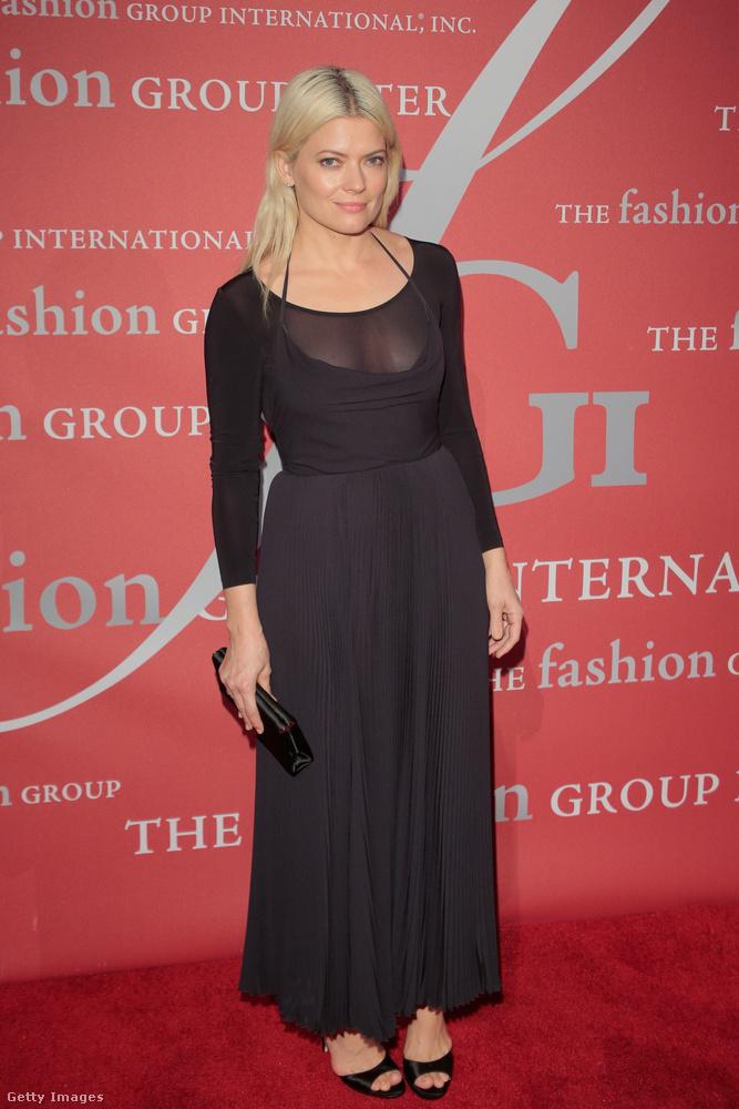 A The Hollywood Reporter már 2012-ben a legjobb stylistnak nevezte.