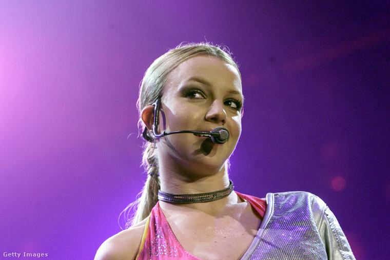 Britney Spears pedig szinte hamvas kiskamasznak tűnik mai énjéhez képest