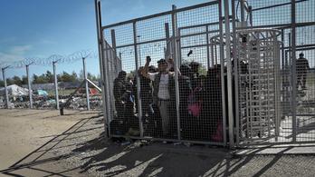 ET: Bántalmazták a magyar rendőrök a Szerbiába toloncolt menekülteket