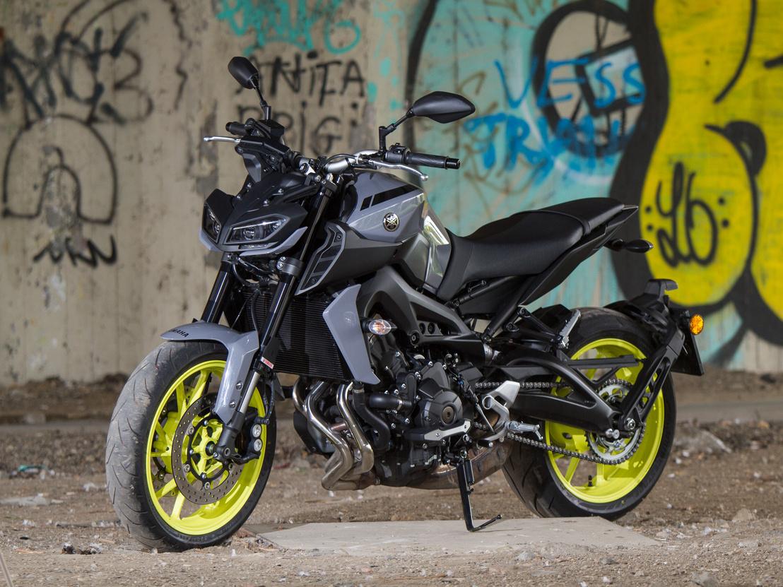 A Yamaha amúgy is nagyon magára talált formatervezésben, és direkt akarok az XSR-ekkel jönni, hanem ott van az R1, az R6 és most már ez is