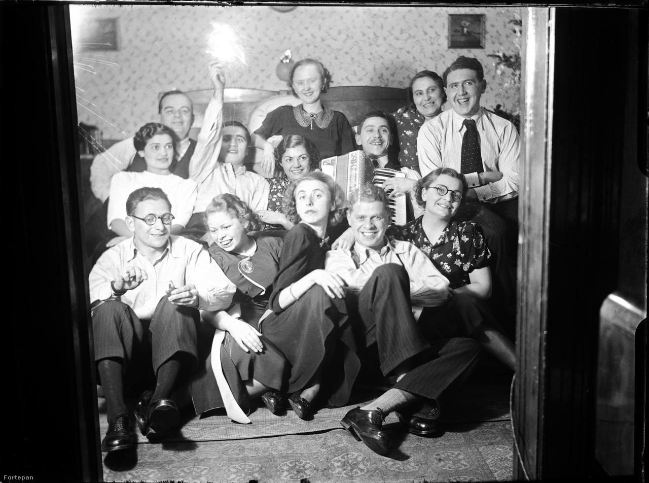 Ilyen volt egy házibuli 1938-ban, még a második világháború kitörése előtt.