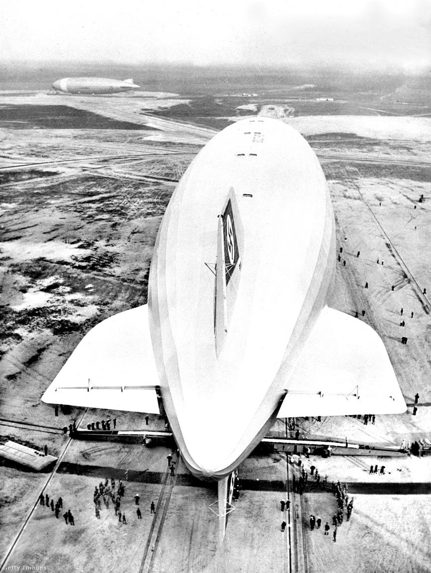 1936. május 9. Pazar légifotó a Lakehurstben (New Jersey) kikötött Hindenburgról. Az óceánt átszelő amerikai út 61 óráig tartott.