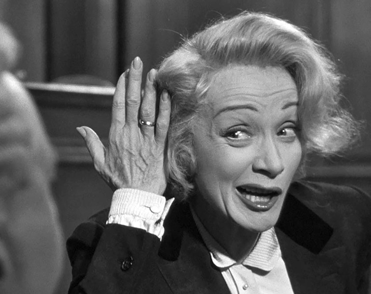 Marlene Dietrich A vád tanúja (1957) című filmben