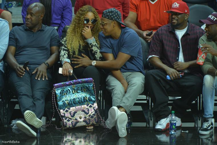 Igen, Beyoncénál is sokkal, de sokkal jobban.