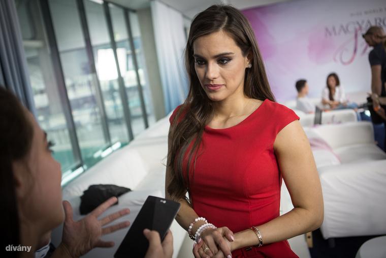 2016-ban Gelencsér Tímea lett Magyarország legszebb nője, ami nyilván a várva várt ismertséget, nagyköveteskedést és a beinduló karriert hozta magával