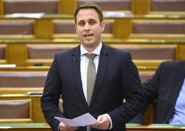 Dömötör Csabát, a Miniszterelnöki Kabinetiroda parlamenti államtitkára