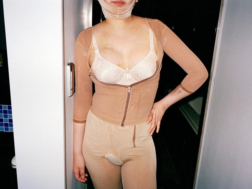 Ji Yeo az amerikai és a koreai kultúra közötti különbséget akarta bemutatni képeivel.