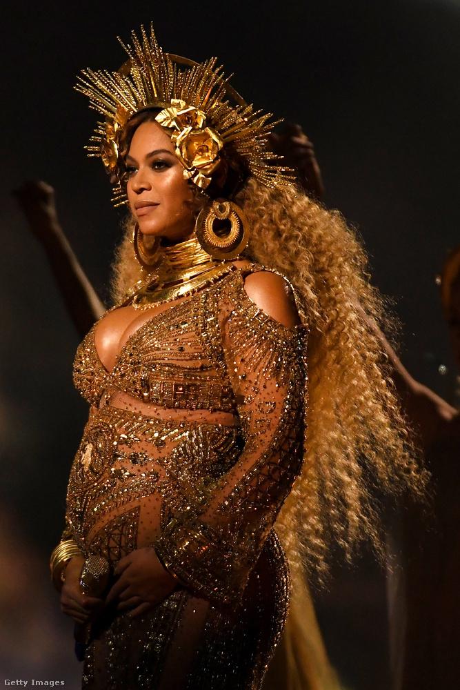 A Grammy díjátadón tisztán látszott rajta, hogy várandós.