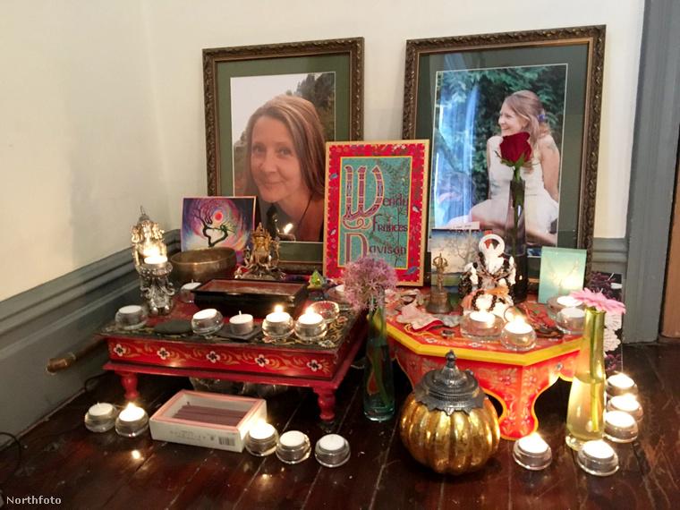 Az oltár, amit Wendy halála tiszteletére készítettek a család otthonában.