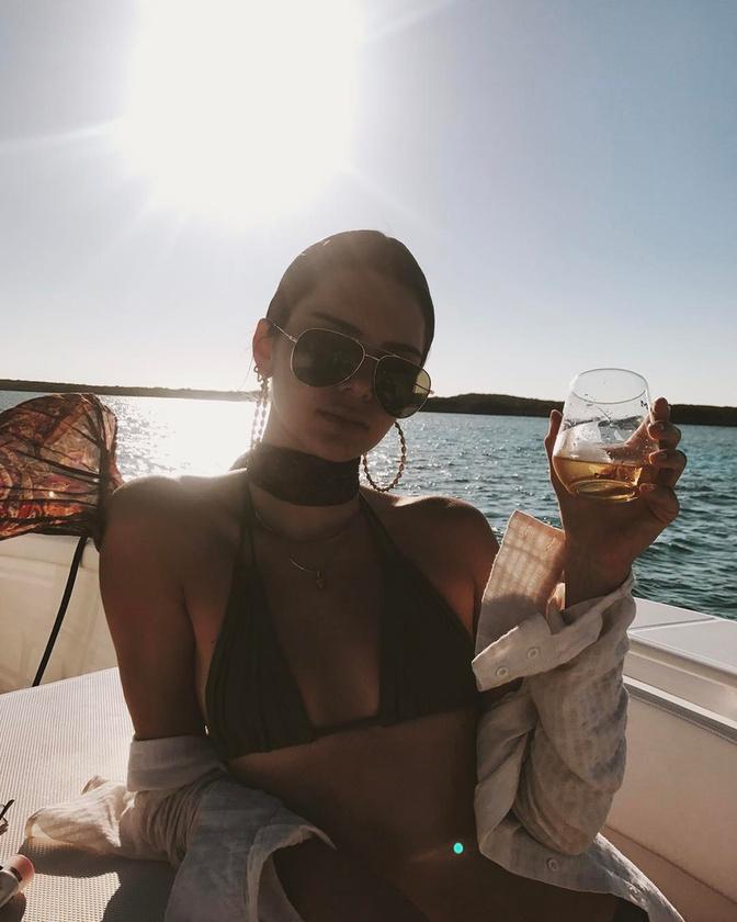 Jenner már unja ezt a témát, inkább iszik
