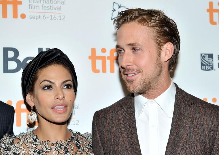 Ryan Gosling mindig is filmforgatásokon jött össze nála idősebb partnernőivel