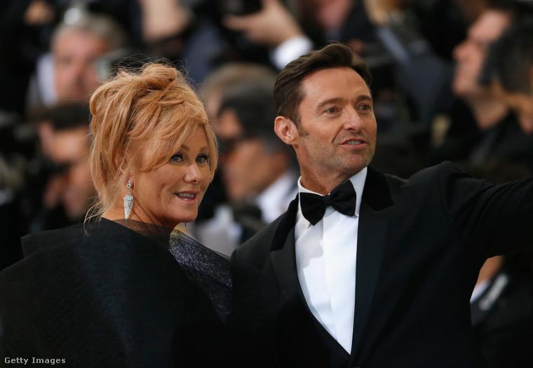 De úgy egyébként nincs túl sok olyan híres férfi, aki önmagánál jóval idősebb nővel él együtt