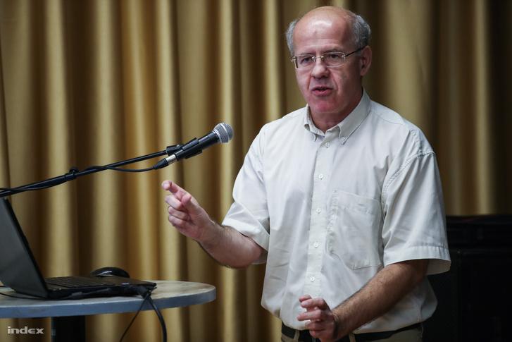 Tölgyessy Péter egy 2016-os előadáson