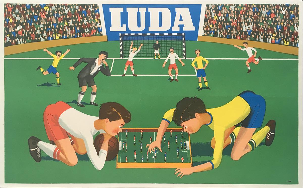 A Luda rugós foci a hatvanas, hetvenes években kultikus játéknak számított a gyerekek, főleg a fiúk körében. Sok gyakorlással egészen magas szintre lehetett a passz- és lövéstechnikát fejleszteni. Egyesek szerint a legprofibbak még csavarni is tudtak. A játékosokat a rugó ki- és betekerésével lehetett tuningolni. A régiségpiacokon gyakran felbukkannak a játék kisebb-nagyobb mértékben elnyűtt példányai