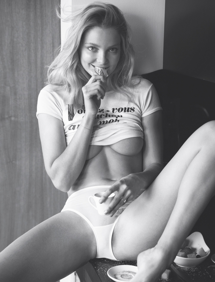 Mihalik Enikő így pózolt tavaly a Playboyban.