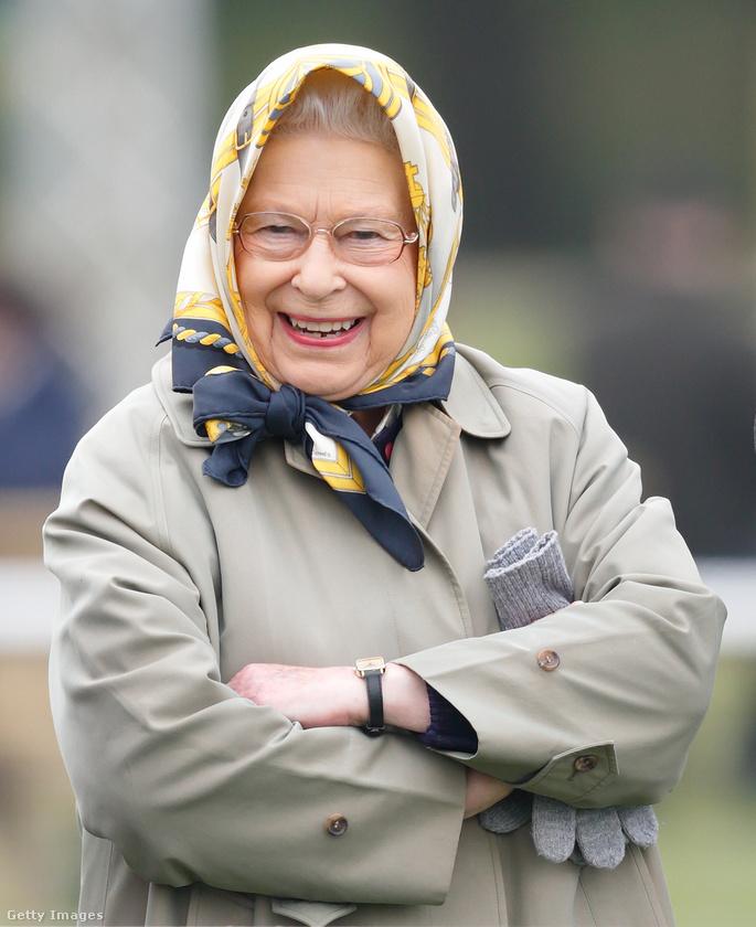 A királynő nagyon jó kedvében volt a bemutatón