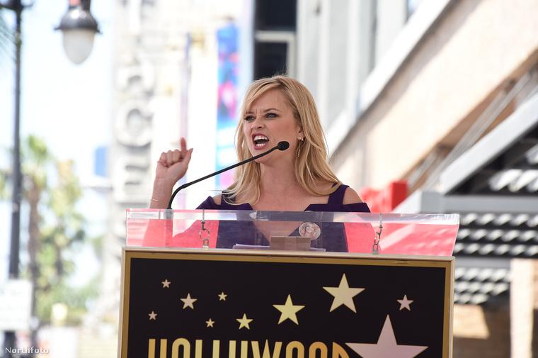 Kurt Russel és Goldie Hawn csillagának felavatásán Reese Witherspoon szenvedélyes beszédet mondott arról, hogy mennyire meghatározó komika számára Hawn.