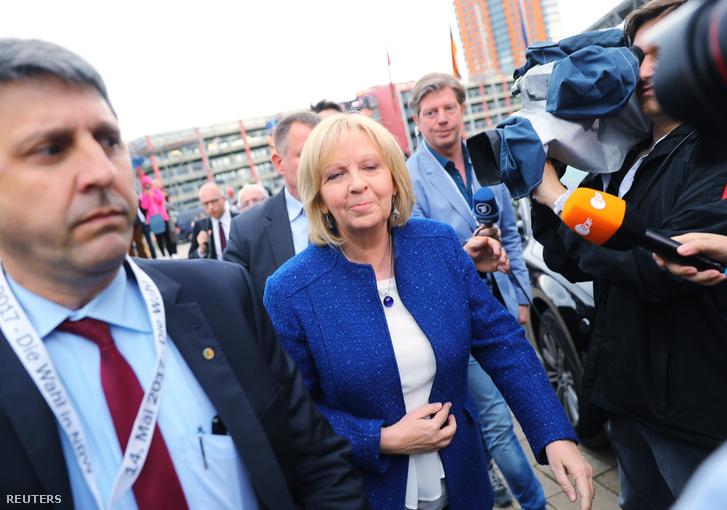 Hannelore Kraft a SPD jelöltje és tartományi miniszterelnöke.