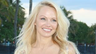 Pamela Anderson bombasztikusan nézett ki az új Baywatch bemutatóján