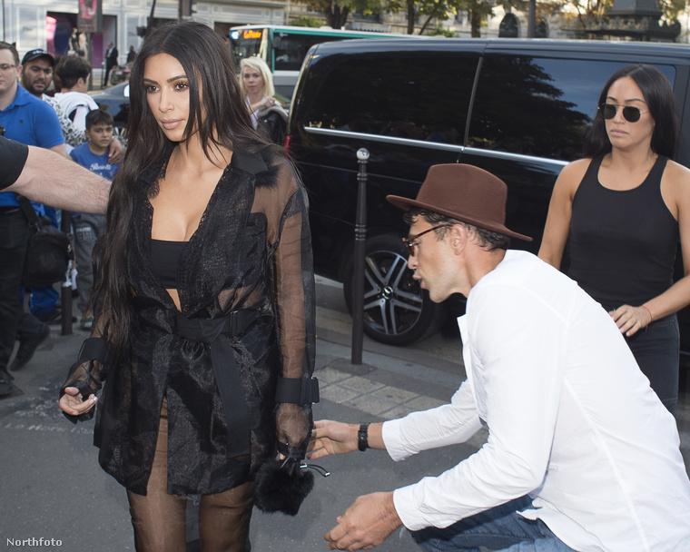 Vitalij Seduk egyik legfrissebb médiahackje Párizsban volt 2016 szeptemberében - itt Kim Kardashiannak próbált csókot adni...