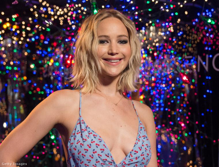 Jennifer Lawrence, amikor nem egy rossz viaszbábuként néz ki.
