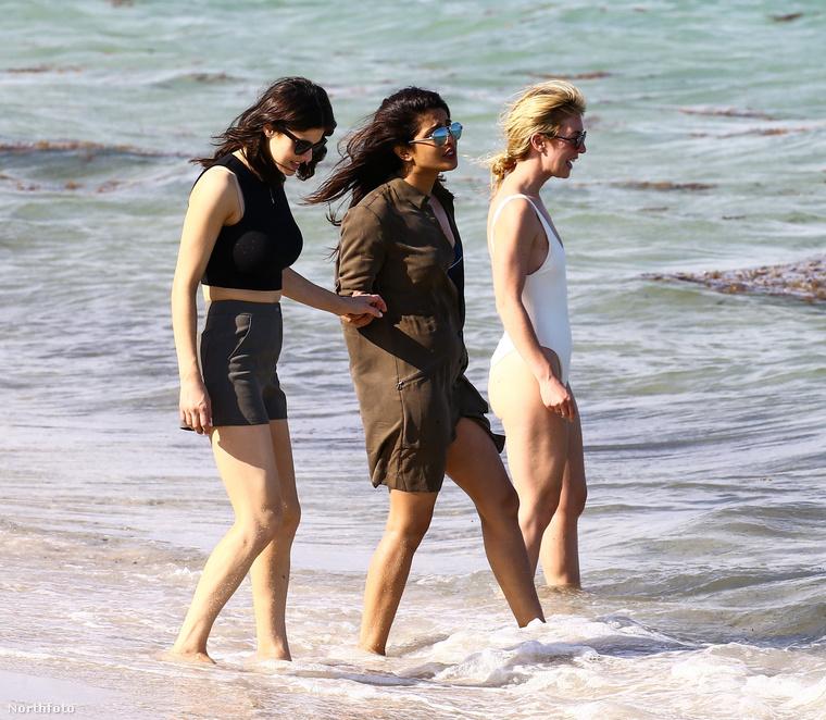 Itt Alexandra Daddario és Priyanka Chopra látható egy olyan szőke hölggyel, aki egész biztosan nem  Ilfenesh Hadera, és nem is Adriana Lima.