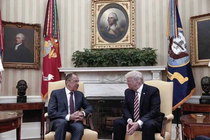 Donald Trump és Szergej Lavrov a Fehér Házban.