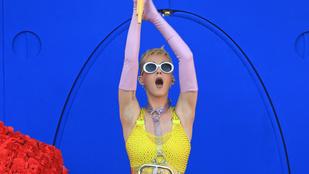 Katy Perry nagyon odavan Paris Hiltonért