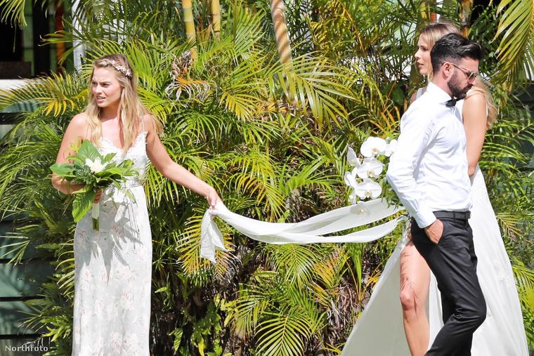 Minden szem rá szegeződött, még, ha közvetlenül a menyasszony mögött is állt