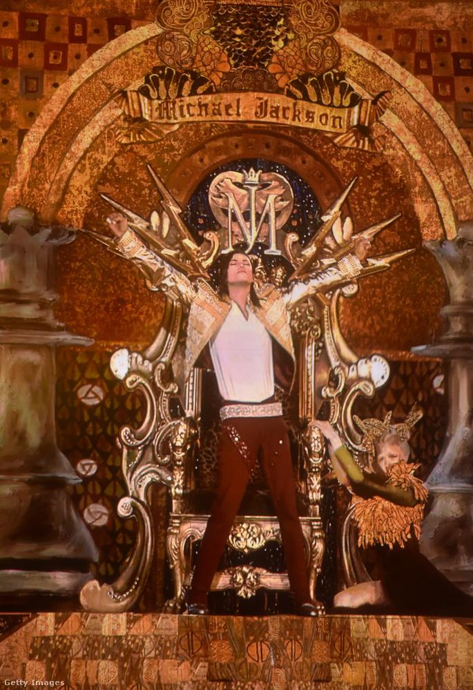 A 2009-ben elhunyt énekes tényleg adott egy koncertet a három évvel ezelőtti gálán, de ez inkább afféle tisztelgés volt a pop királya előtt