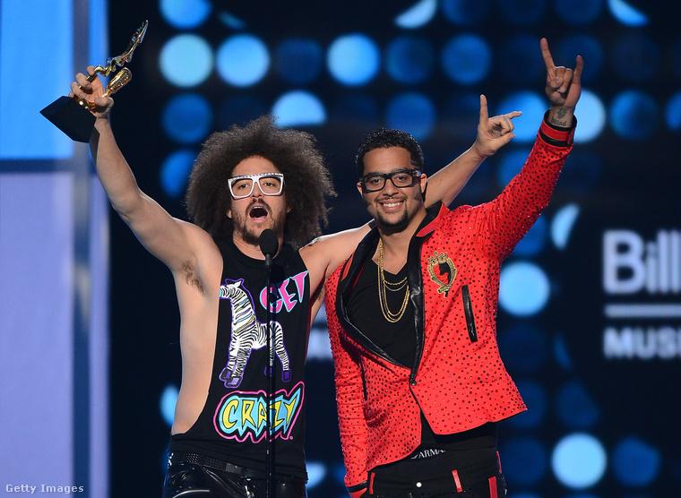 A 2012-es díjátadó egyik fénypontja az LMFAO volt, a partkirályok fura szerelésben jelentek meg a gálán, és vették át a Party Rock Anthem című számért Az év dala díjat.