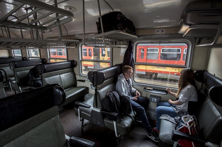 """""""Ha egy-két bulizni vágyó fiatalról van szó, azért nem biztos, hogy egy buszjáratot vagy vonatjáratot érdemes beindítani."""""""