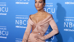 Ezen az eseményen Jennifer Lopez dekoltázsa volt a legfőbb látnivaló