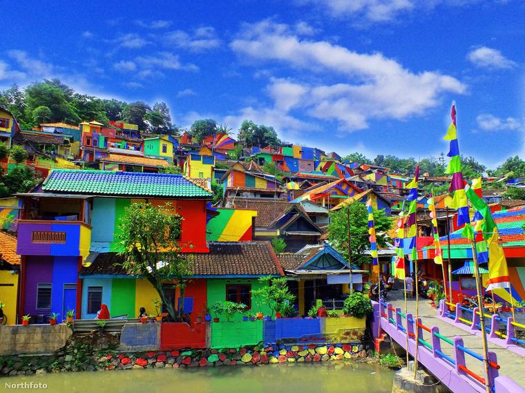 Az indonéz kormány körülbelül 22 ezer dollárt, vagyis kicsit több mint 6 millió forintot költött a felújításra.
