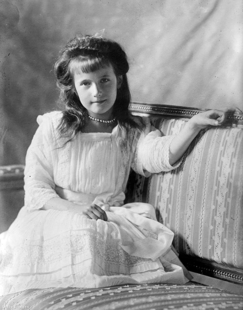 Az 1901-ben született Anasztázia, a Romanov család negyedik gyermeke és egyben negyedik lánya volt