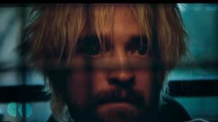 Kételkednénk, ha ön egyből felismerné a színészt ebben a trailerben