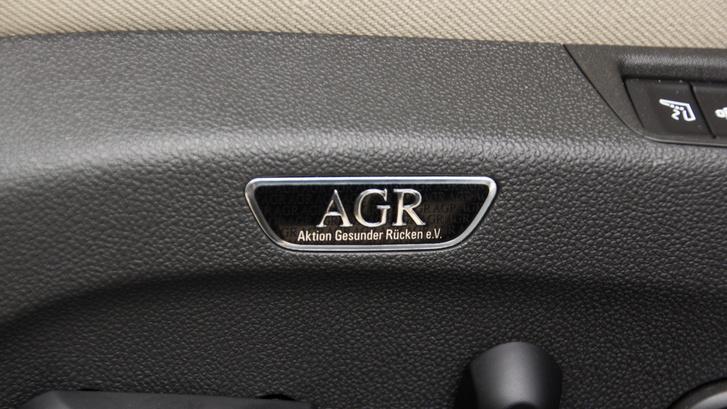 ...ez a felirat. A hátfájósok nagy örömére a német AGR nevű szervezettel együtt fejlesztették az Insignia üléseit